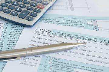 Los contribuyentes que necesiten más tiempo después del 17 de mayo pueden solicitar una extensión hasta el 15 de octubre. (Dreamstime)
