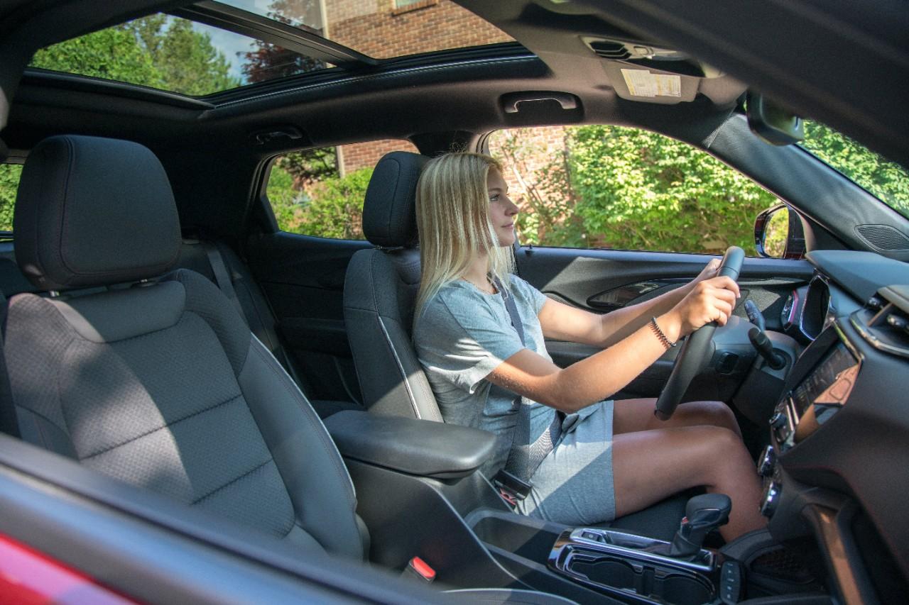 2021-Chevrolet-Trailblazer-Teen-Driver-Technology-13 CONSEJOS PARA LOS VIAJES DE VERANO POR CARRETERA Y LA PREPARACIÓN