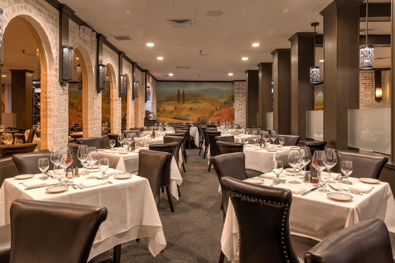 F91I5005 Tuscany Steakhouse regresa mejor que nunca (full capacidad)