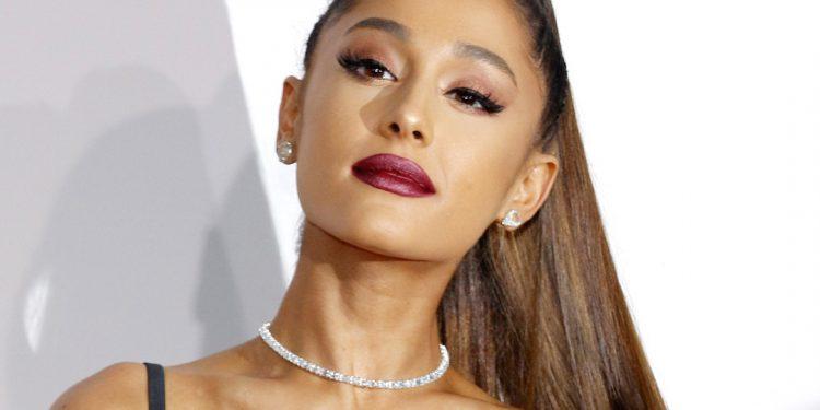 """La pareja comenzó a salir a principios de 2020 e hicieron pública su relación en mayo al aparecer en el videoclip de la canción """"Stuck With U"""", que Grande lanzó junto a Justin Bieber. (Dreamstime)"""