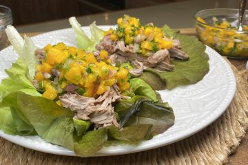 Tacos de lechuga con cerdo.