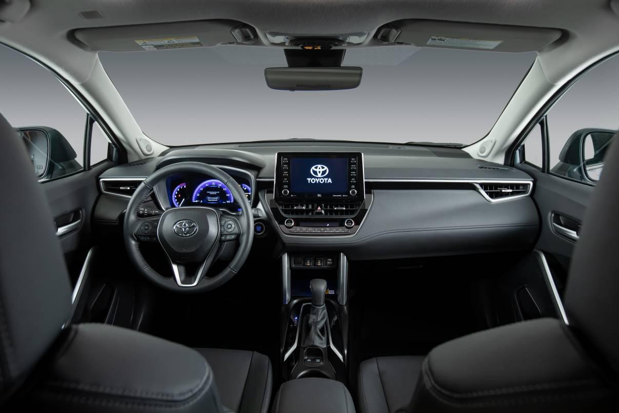 2022_Toyota_Corolla_Cross_Celestite_003 El Toyota Corolla Cross del 2022 Un SUV del tamaño correcto