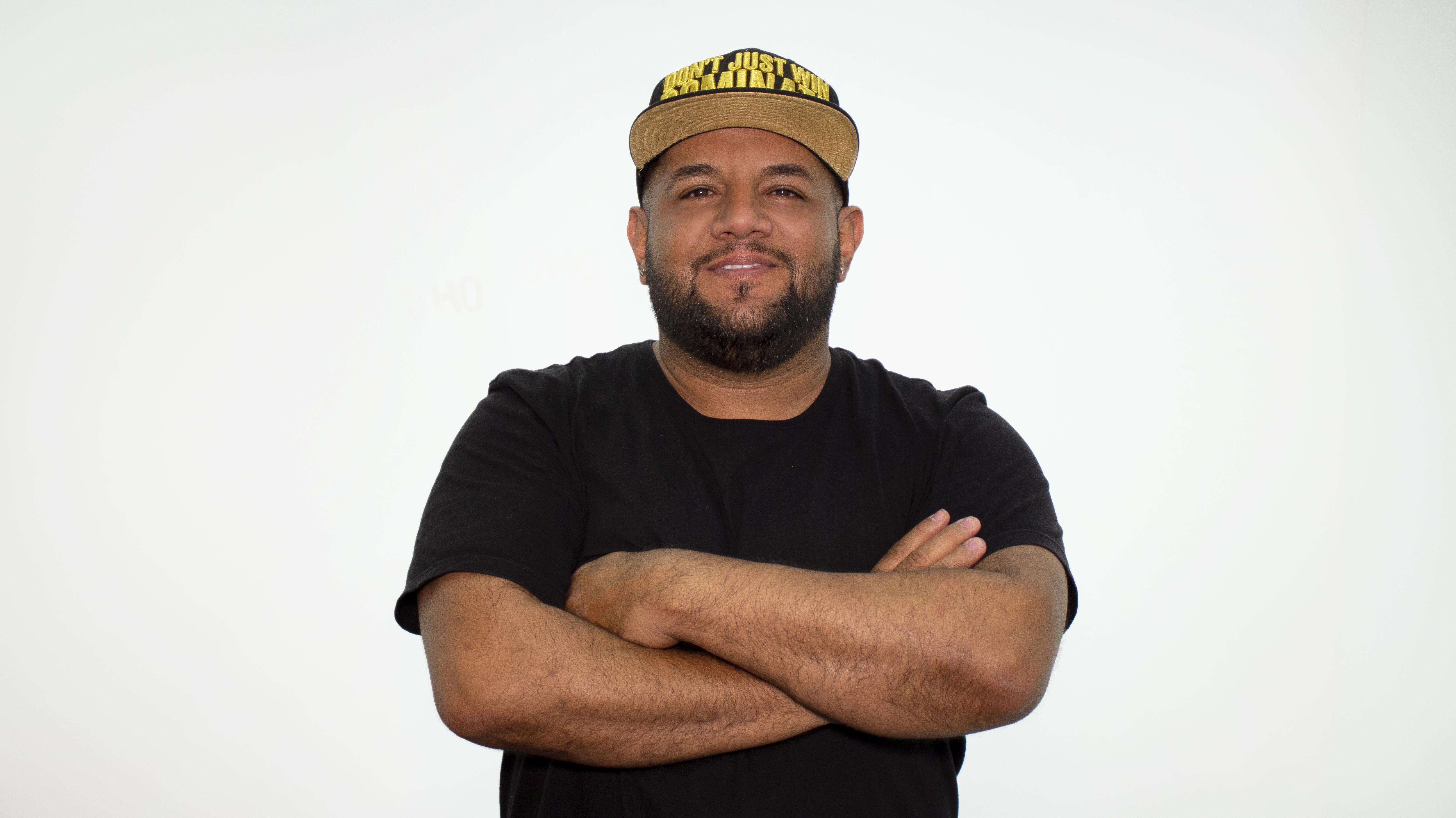 33177999_632999460385665_2607085456940072960_n-2 Miguel Rivera TV, el pionero de la comedia en las redes sociales
