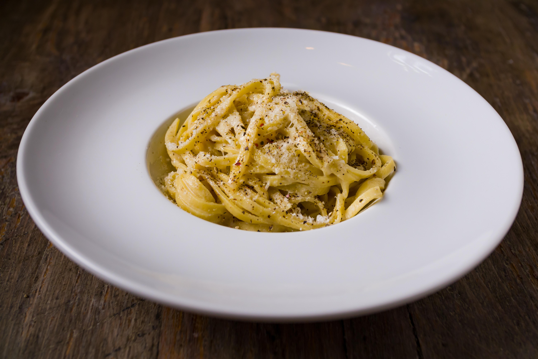 VIA-VAI-Interior-Bar VIA VAI, la auténtica cocina y vinos italianos en Astoria