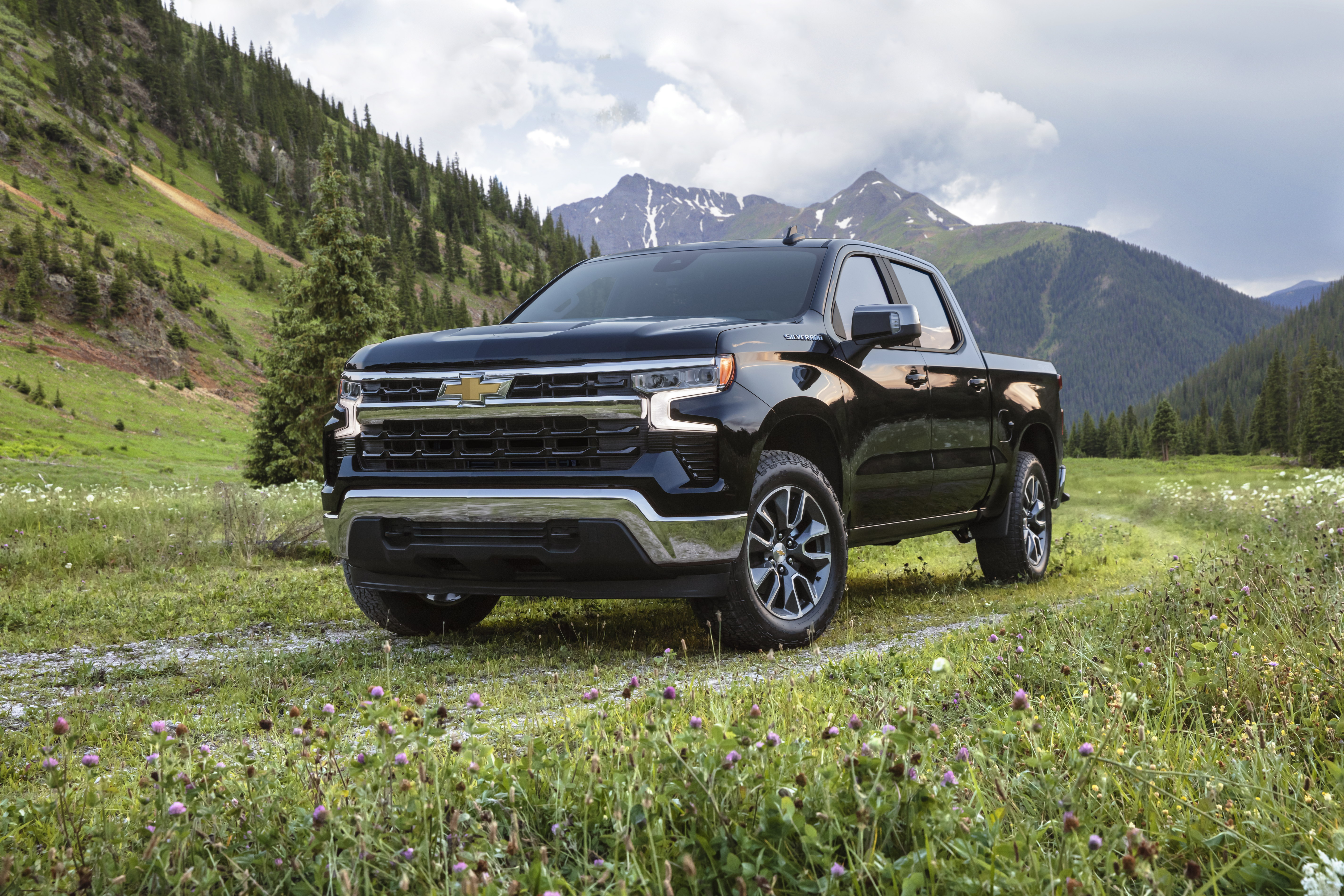 1.-2022-Chevrolet-Silverado-ZR2-001 Chevrolet Silverado 2022, Imponente y renovada