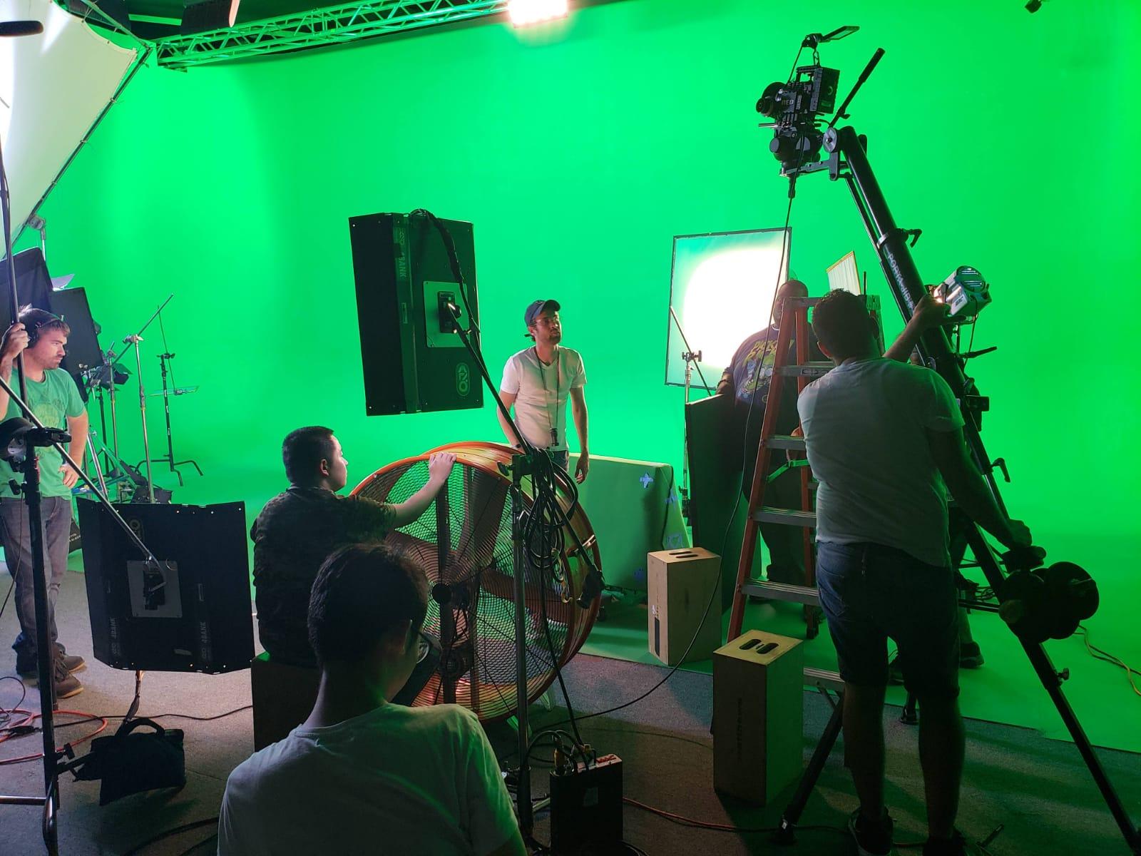 image2-1 Juan Sebastián Valencia el cineasta que graba a los famosos en Los Ángeles.