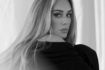 """Han pasado solo tres días desde que la cantante británica lanzó su nuevo sencillo, """"Easy on Me"""", y ya está en camino de pulverizar sus propios récords."""